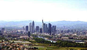 Frankfurt_Skyline_Felder_300dpi